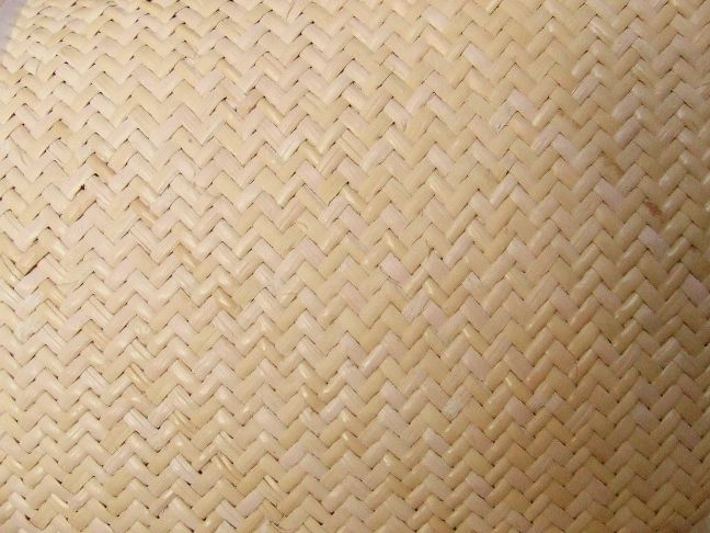 Machine woven cane panel, z-weave